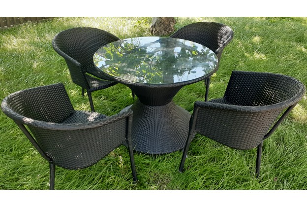 4 кресла и обеденный стол из искусственного ротанга А020 + B002-4